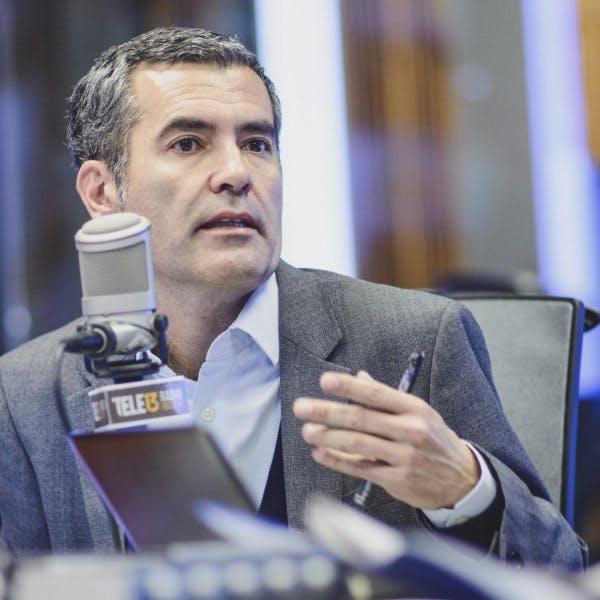 RAT PACK| Enrique Mujica y todos los detalles de la reunión entre Ossandón y Piñera - Mesa Central - RatPack - Emisor Podcasting