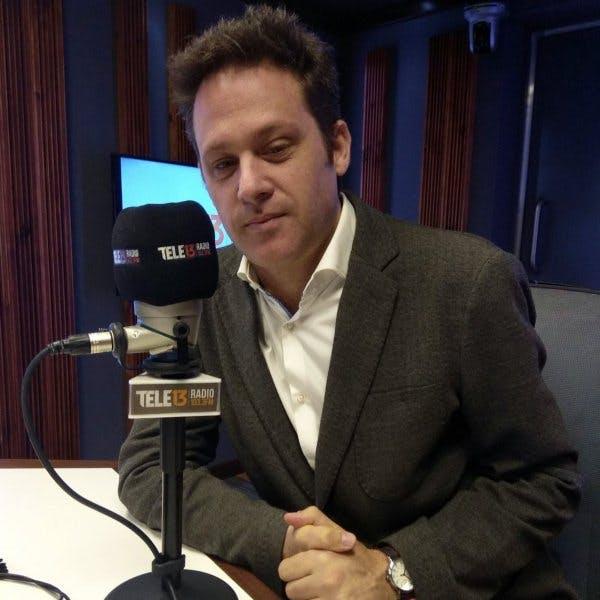Martín Sivak, autor de 'El salto de papá': Trato de usar el humor y no regodearme en la tragedia
