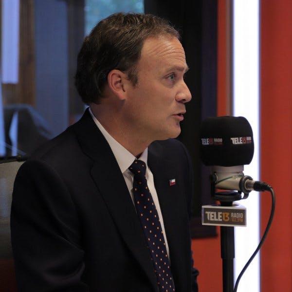 Felipe Ward: El Alcalde de Rapa Nui está más solo que rambo