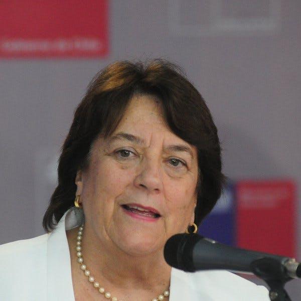 Adriana Delpiano: Lo que no se quiere es que los colegios sean un negocio, para nadie