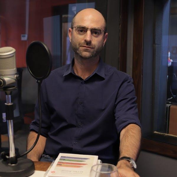 Matías Celedón, escritor.  - Podcast - Siempre es Hoy - Emisor Podcasting