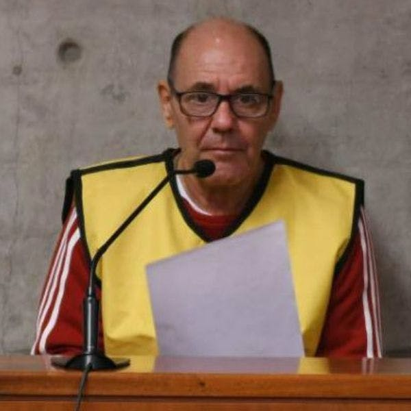 """Alberto Espinoza, abogado del """"Comandante Ramiro"""": La decisión de Carroza resulta favorable. Si no acoge la media prescripción, es porque Mauricio Hernández Norambuena en Brasil ha estado cumpliendo la condena"""