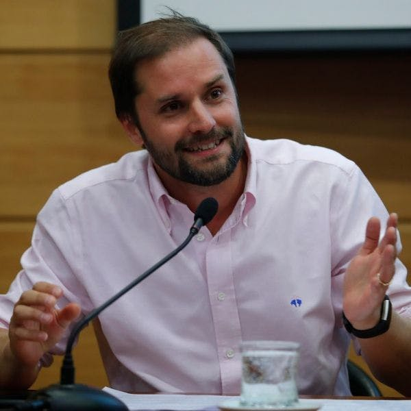 """Diputado Jaime Bellolio sobre Xu Bu: """"Ningún embajador en China podría hacer lo que este embajador hace acá"""" - Podcast - Protagonistas - Entrevista FM - Emisor Podcasting"""