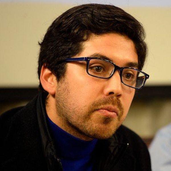 Diputado PS, Juan Santana: La ministra Cubillos de manera sistemática ha infringido la Constitución y ha dejado leyes sin ejecución