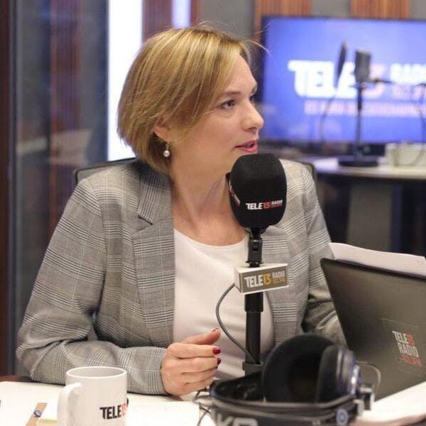 """Senadora Goic y reforma a Isapres: """"El gobierno tiene que sincerar cuál es la vía por la que quiere avanzar"""" - Mesa Central - Entrevista - Emisor Podcasting"""