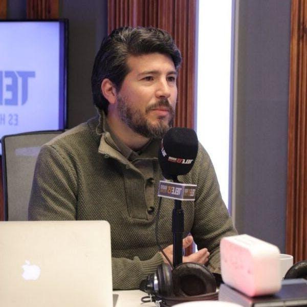 """Álvaro Hevia, profesor de Bioética: """"Las personas pueden aceptar o rechazar un tratamiento, siempre y cuando no pongan en peligro la salud pública"""" - Mesa Central - RatPack - Emisor Podcasting"""