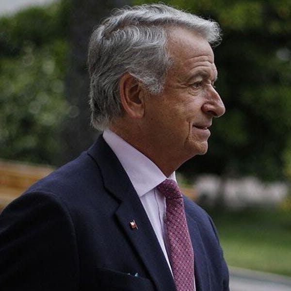 """Min. Larraín sobre decisión de senador De Urresti: """"Es un intento de obstruccionismos que los chilenos tendrán que juzgar"""" - Mesa Central - Entrevista - Emisor Podcasting"""