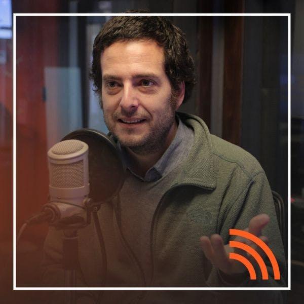 Hugo Herrera y las vertientes de la derecha - Hay Algo Allá Afuera - Emisor Podcasting