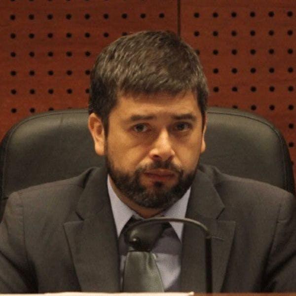 Juez Daniel Urrutia por denuncia de tortura en estación Baquedano: En el punto ciego de la estación se encontraron siete cartuchos percutados de escopeta, además de dos amarras usadas por el Ejército para inmovilizar a los detenidos