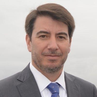 """Director Ejecutivo de AthenaLab, Juan Pablo Toro: """"Se ha pensado en dar a las FF.AA. un rol distinto en la protección de infraestructura crítica, no es algo inédito, se hace mucho en Europa"""" - Podcast - Protagonistas - Entrevista FM - Emisor Podcasting"""