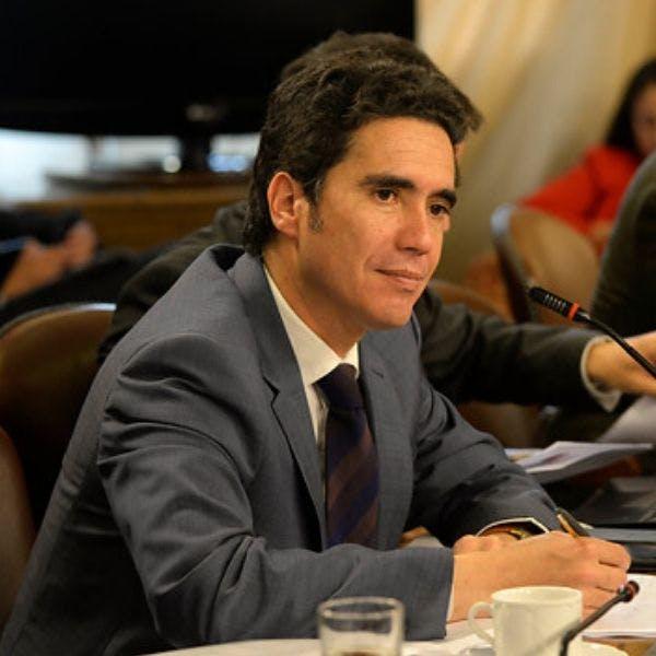 Ministro Briones: Muchos plantean que habría que tirar la casa por la ventana en materia fiscal para aplacar la violencia en las calles. Es un error conceptual grave