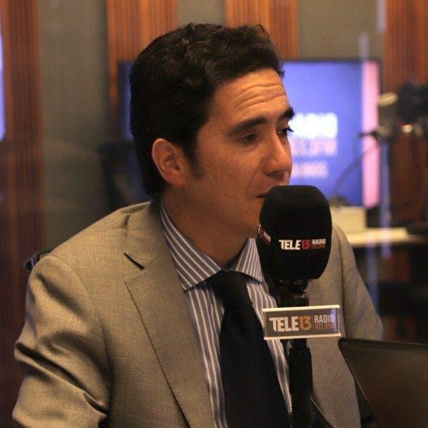 """Ministro Briones por reajustes sector público: """"No creo que sea la señal adecuada que estemos peleando por subir el sueldo cuando los chilenos están preocupados de mantener sus empleos y salarios"""" - Podcast - Mesa Central - Entrevista - Emisor Podcasting"""