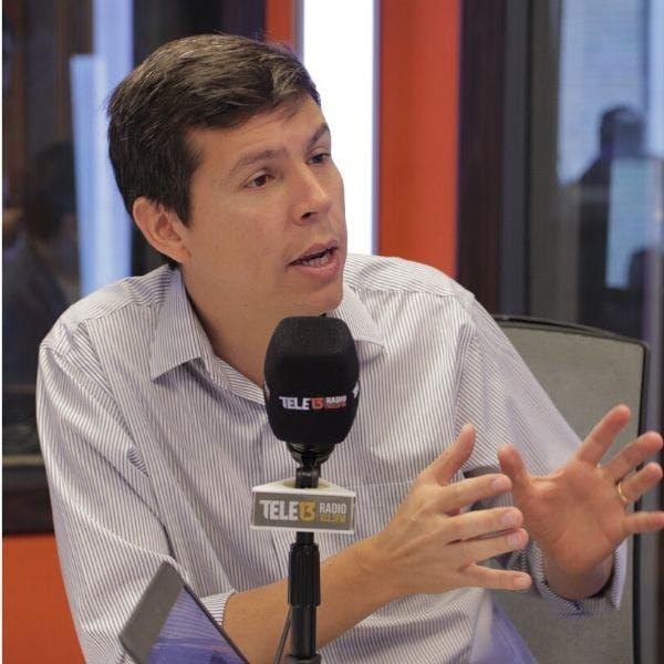 """Alcalde de Renca, Claudio Castro: """"El primer símbolo es que 2 millones de personas, por primera vez, deciden participar convocados en algo que sabían no era vinculante - Podcast - Mesa Central - Entrevista - Emisor Podcasting"""