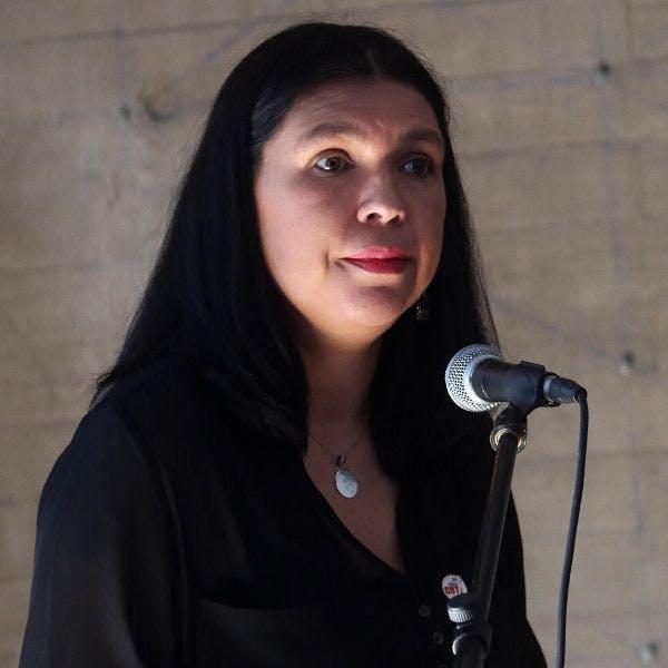 La presidenta de la CUT criticó que Hacienda en la negociación de reajuste negara recursos y llegara con una propuesta de última hora al parlamento - Podcast - Protagonistas - Entrevista FM - Emisor Podcasting