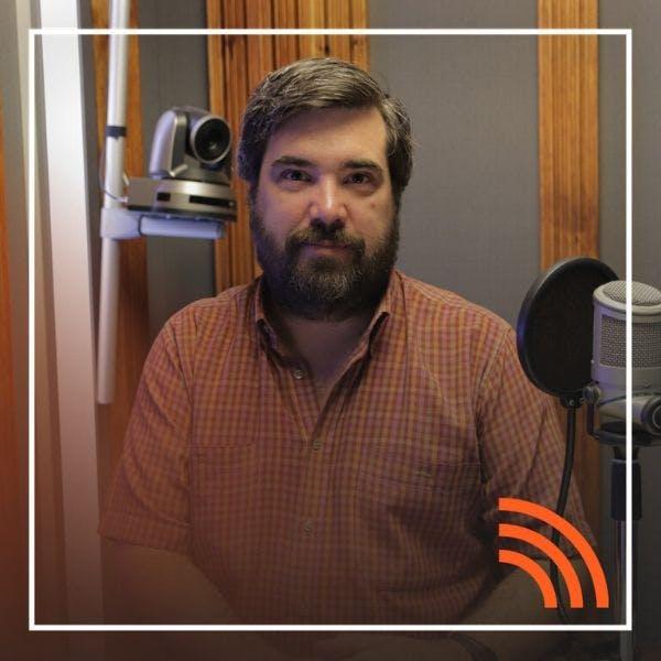 Tomás Ariztía: El antropoceno y la crisis socioambiental - Podcast - Hay Algo Allá Afuera - Emisor Podcasting