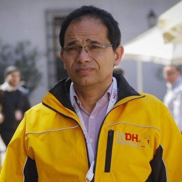 """Director del INDH: """"Hay violaciones a los Derechos Humanos, incluso después de los anuncios de que no se iban a ocupar más las escopetas antidisturbios - Podcast - Protagonistas - Entrevista FM - Emisor Podcasting"""