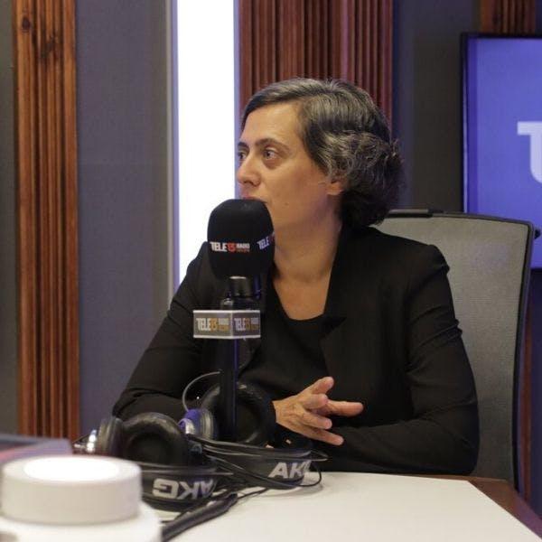 """Politóloga experta en populismos: """"El populismo no es lo opuesto de la Democracia; de alguna es un subproducto de la Democracia"""" - Podcast - Mesa Central - RatPack - Emisor Podcasting"""