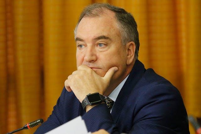 Diputado Molina: Llama la atención que un ex diputado haga una sesión en tres minutos y resuelva el problema de un contratista desesperado cobrándole millones