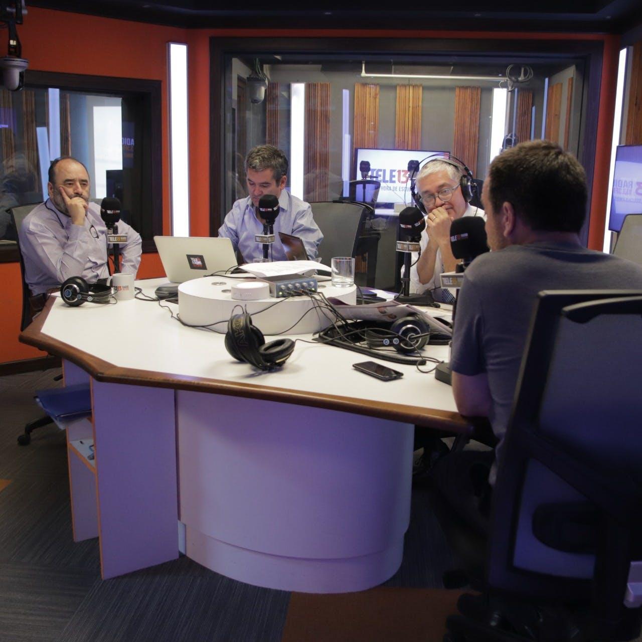 Mujica, Navarrete y Guzmán conversan sobre el coronavirus, plebiscito y primarias norteamericanas - Podcast - Mesa Central - Columnistas - Emisor Podcasting