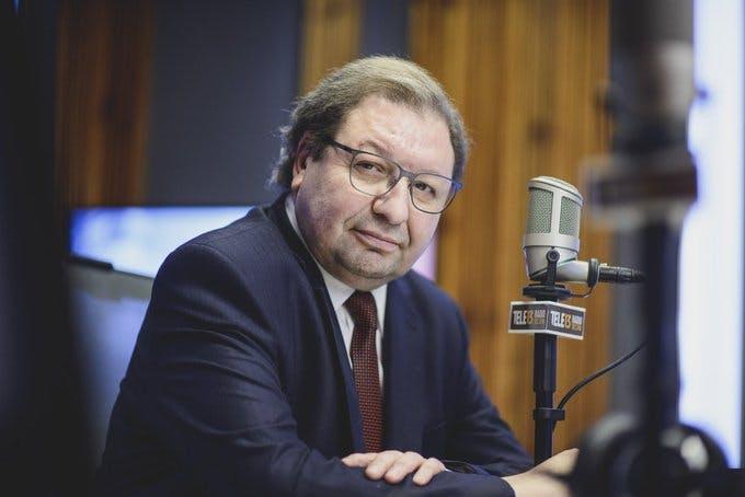 Cavallo por cuestionamientos a cuarentena en Santiago, Acuerdo Nacional y racismo en Estados Unidos - Podcast - Conexión - Panelistas - Emisor Podcasting
