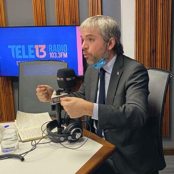 """Ministro Blumel por distintas votaciones en Chile Vamos: """"Más que una crisis de gobernabilidad, es una crisis de convicciones"""" - Podcast - Mesa Central - Entrevista - Emisor Podcasting"""